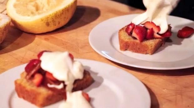 StrawberriesPoundcake
