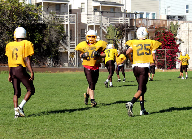 Mission High Football Team Wants the Turkey Bowl