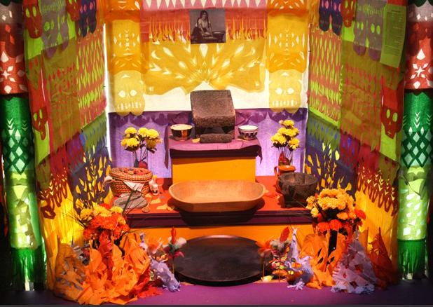 Día de los Muertos Altar Elements
