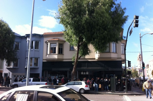 A recent Sunday morning in front of Tartine Bakery