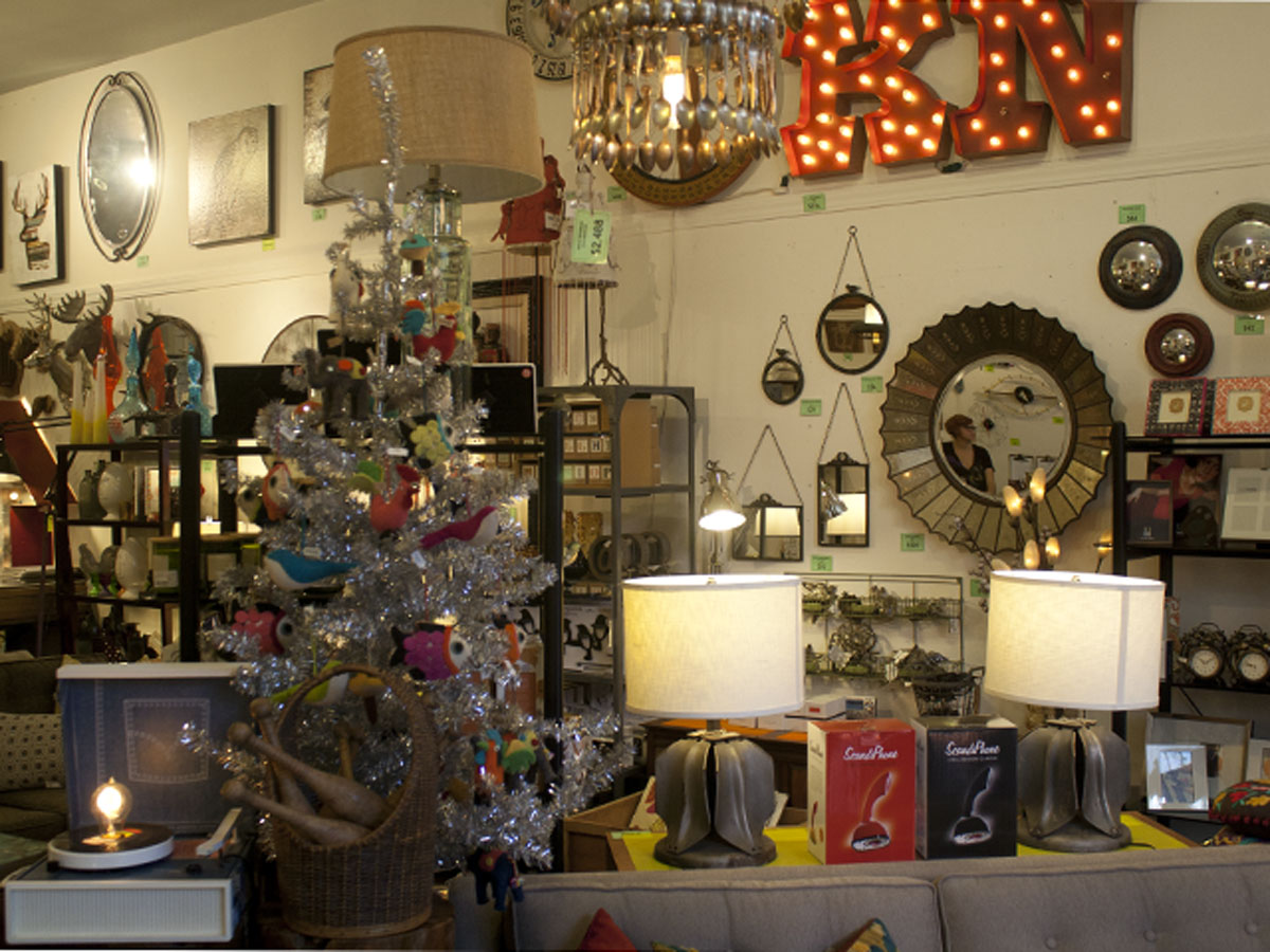 Jingle Bells, but Few Holiday Sales in the Mission