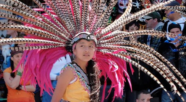 Aztec dancers by Kimoco88