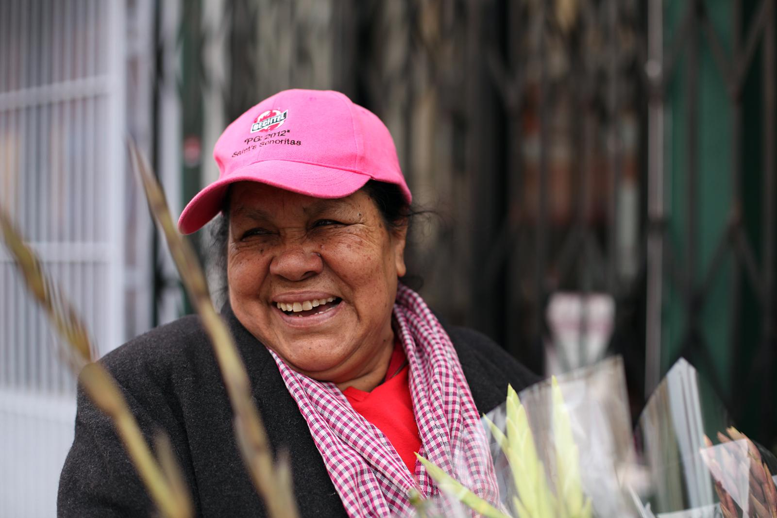 Latinos de la Misión de luto por la muerte de María Saavedra, la Reina de las Flores