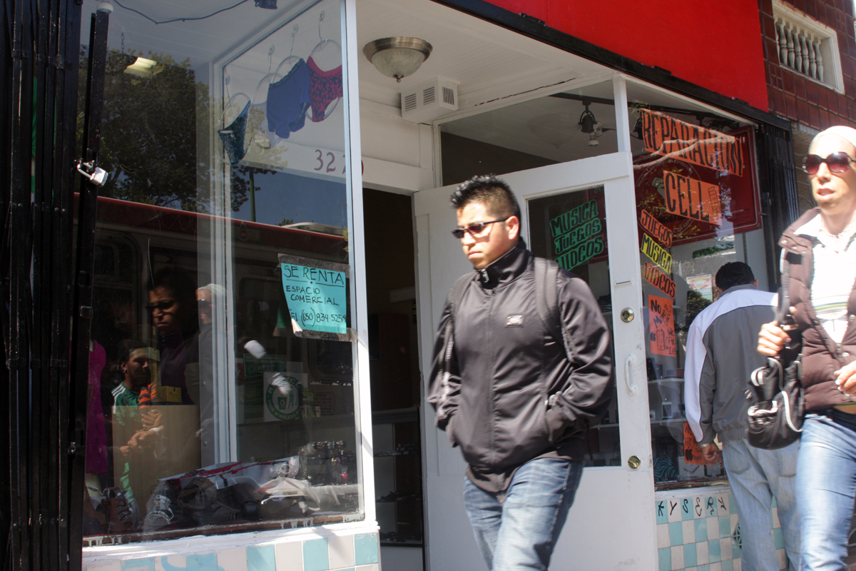 To Stay Here, Latino Businesses Split the Rent
