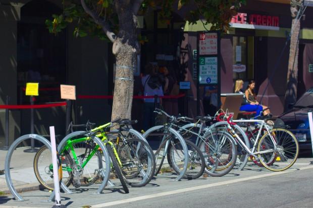 La Misión Lleva la Delantera en Anclajes para Bicicletas