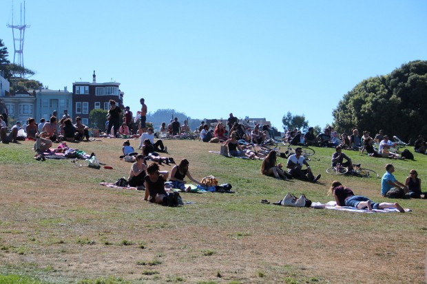 Dolores park on a sunny Labor Day.