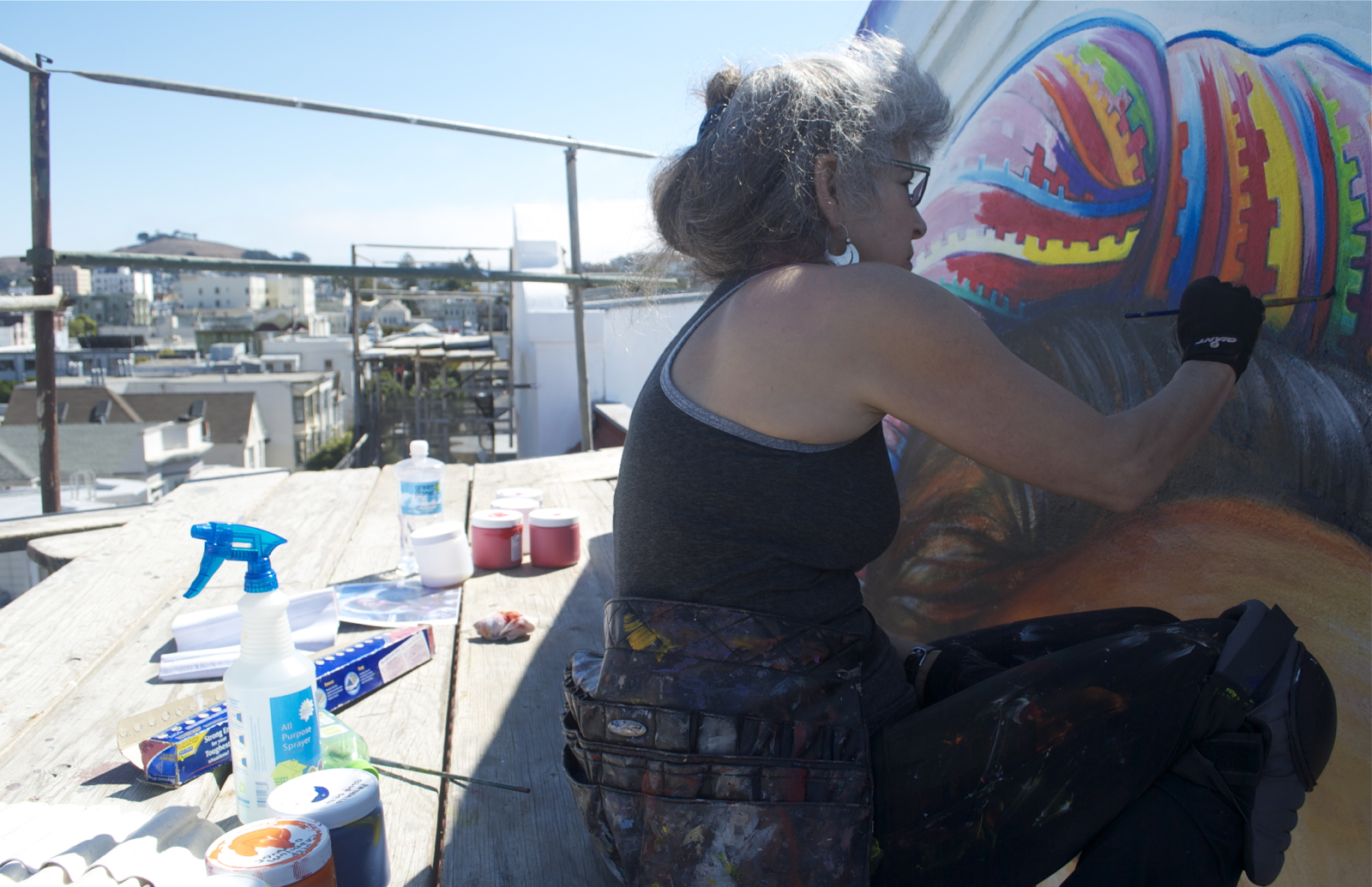 "Painters Scale Women's Building to Restore the ""MaestraPeace"" Mural"