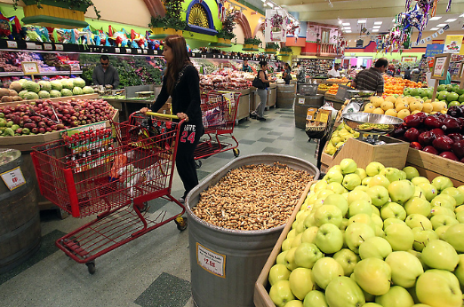 Immigration Checks Stir Controversy at Bay Area's Biggest Latino Grocery