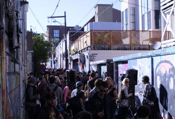 A crowded Clarion Alley.