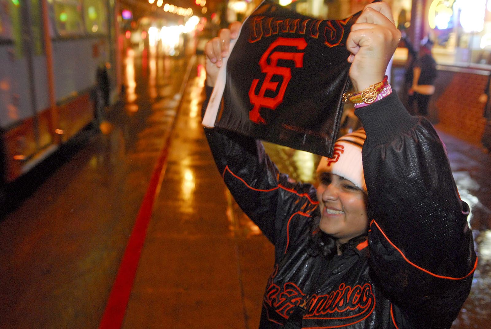 Giants Lead Tigers 2-0 in World Series