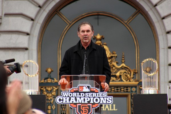 Giants Manage Bruce Bochy addresses the crowd in front of City Hall. Photo by Rigoberto Hernandez.