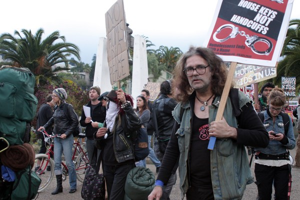 Approximately 50 protesters marched from Dolores Park to a vacant building on Castro Street to raise awareness about homeless issues. Photo by Rigoberto Hernandez.