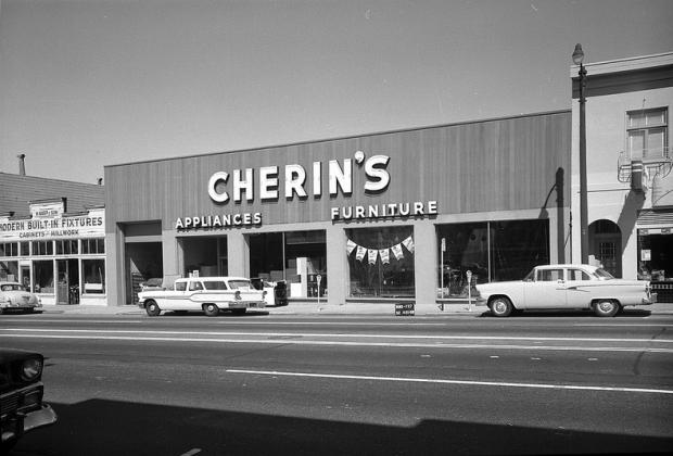 Photo by the San Francisco Public Library Historical Photos.