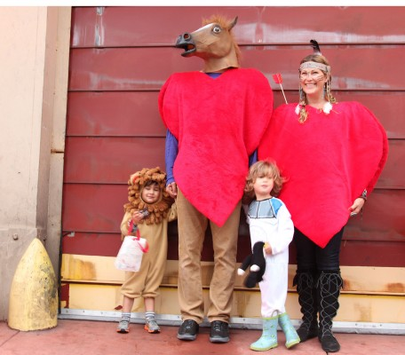 Enjoying Halloween before the rain, Belmer Negrill (in the horse mask), Erica Levin (far right) with Leo and Levi Sol. Photo by Alejandro B. Rosas