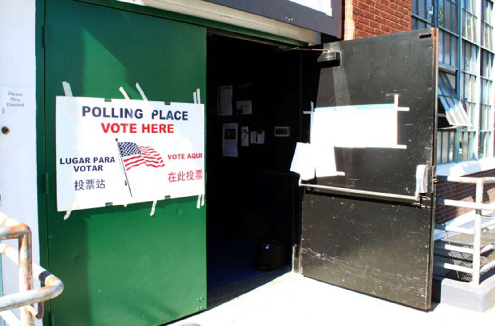 Donor Watch: Mission Voters Dig Deep for Obama