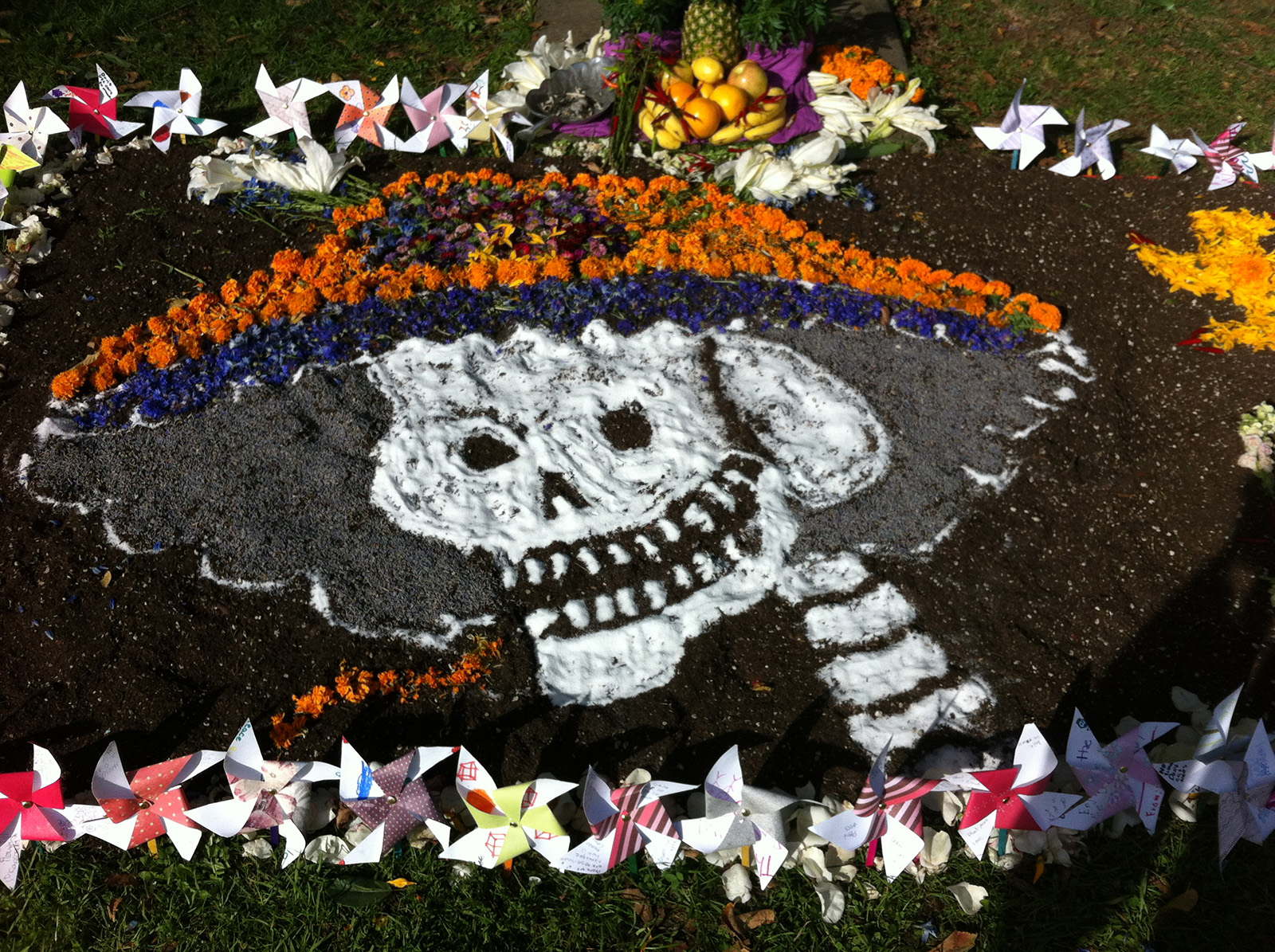 Altar Makers Gear Up for Day of the Dead