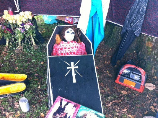 "An altar for Jesse Morris, known as the ""punk rock Johnny Cash,"" who often busked at the 24th Street BARTstation."