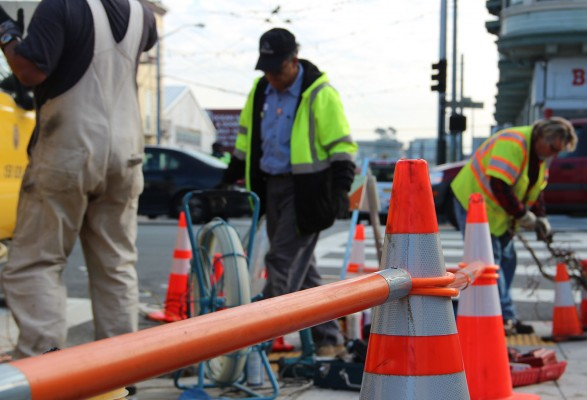 A section of the sidewalk on 17th Street at South Van Ness street was closed off for workers. Photo by Yousur Alhlou.
