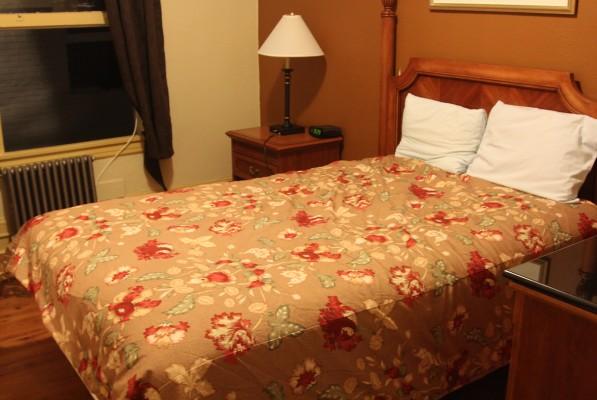 A typical nightly rental room at El Capitan Hotel.
