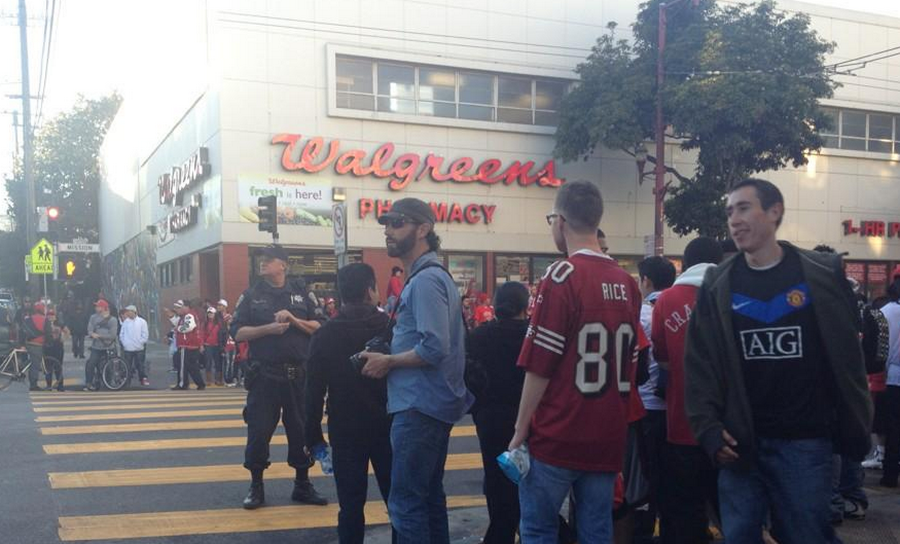 At 23rd and Mission streets after the 49ers's win against the Falcons. Photo by Rigoberto Hernandez.