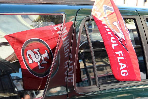Put away those Giants flags and decorate your car with a 49ers flag: the 49ers Faithful are ready for the Super Bowl.