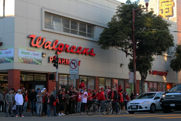 More than 100 fans gathered at the corner of 23rd and Mission streets to celebrate the 49ers playoff berth.