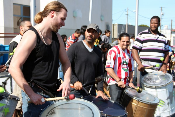 Percusionistas practicando.
