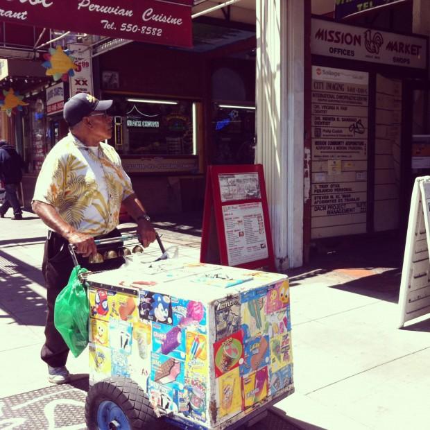 Un palatero on Mission Street. Photo by Andrea Valencia.