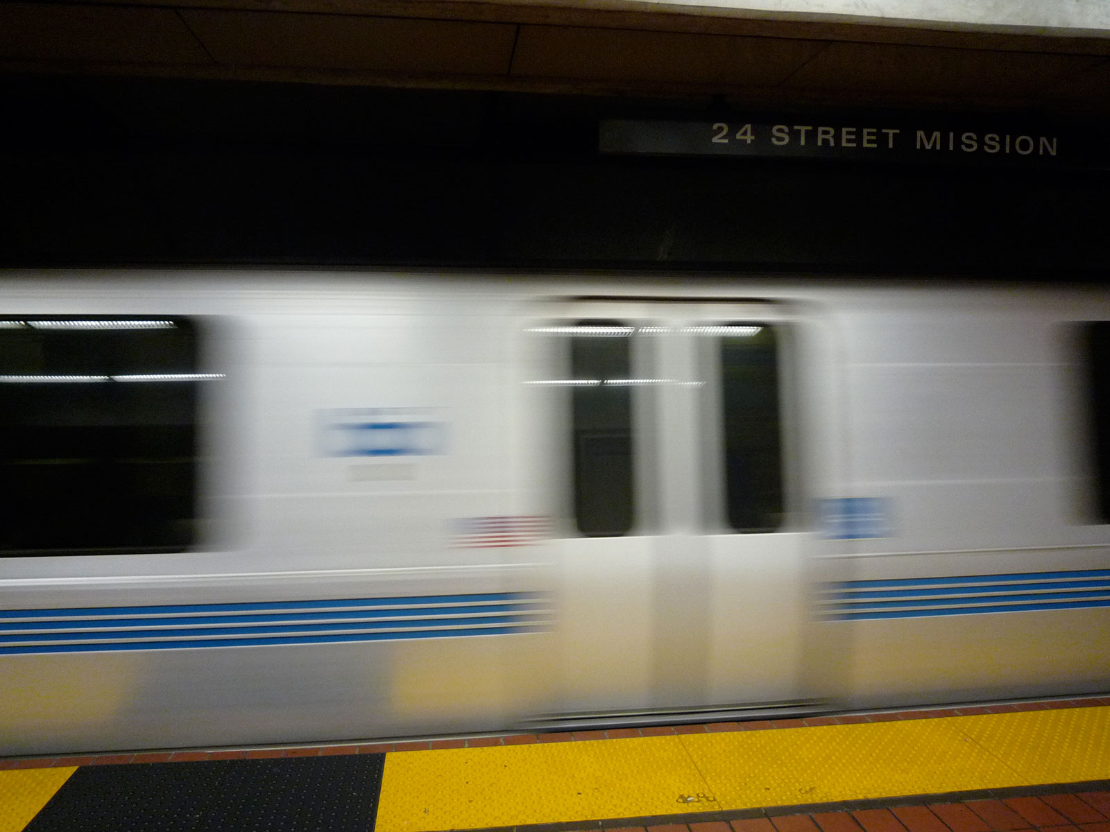 Embarcadero and Montgomery Bart Stations Closed