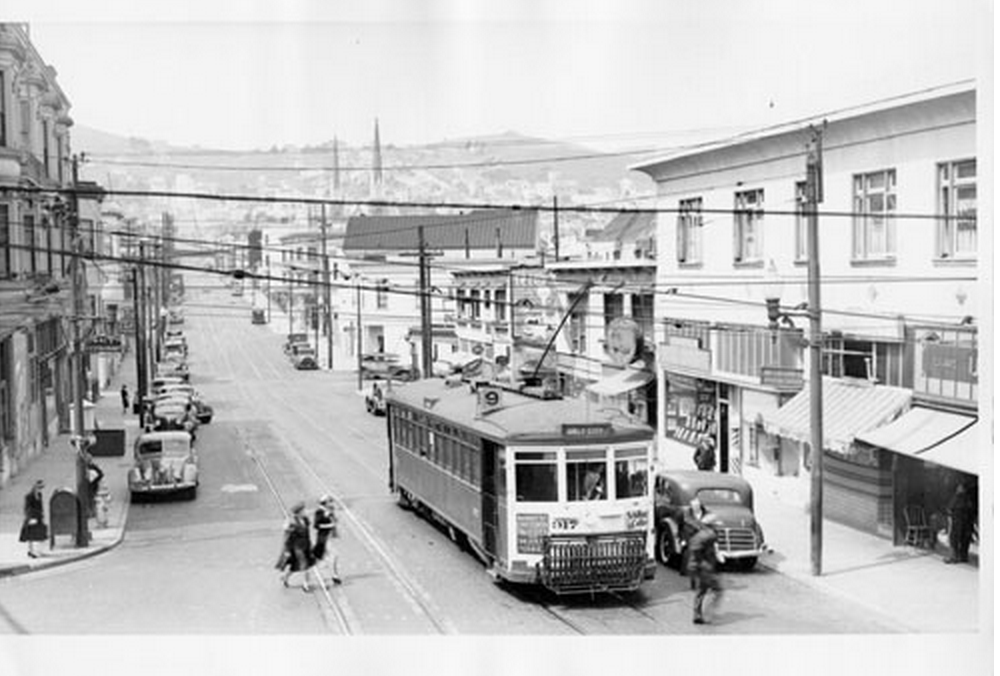 Pizzahacker Attached by Runaway Streetcar in 1907