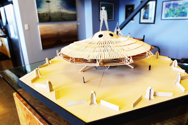 We can see a model of the last Burning Man temple, built in La Playa for 2013. Photo by Hanna Quevedo