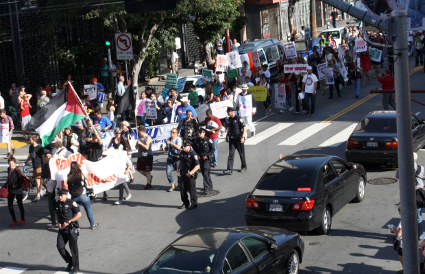 May Day rally travels down Mission Street. Photo by Daniel Hirsch.