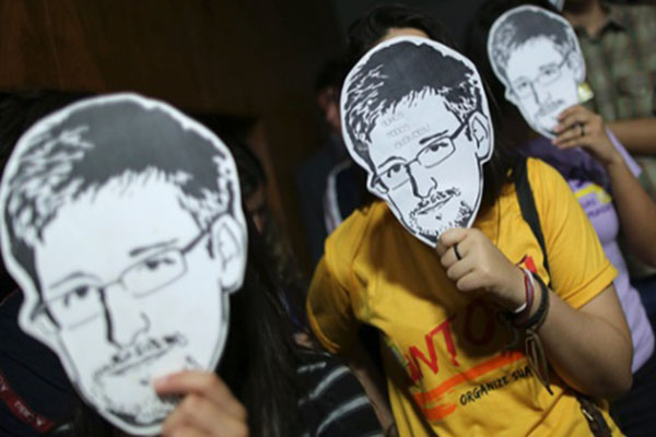 """Ueslei Marcelino: Reuters """"We are all Edward Snowden Now"""""""