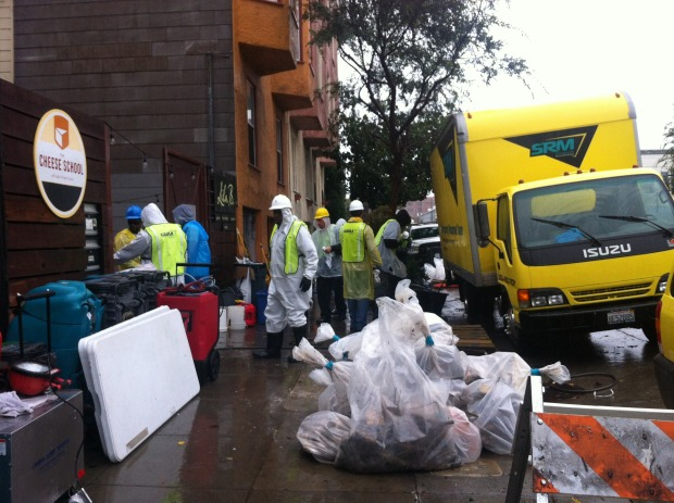 Clean up crew near Folsom and 17th Streets. Photo by Andrea Valencia