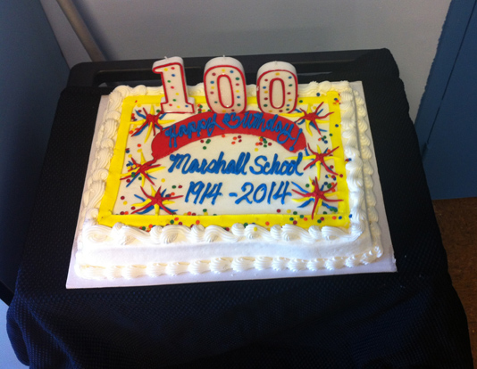 One of the 6 cakes that the school had to celebrate its 100th anniversary. Photo by Andrea Valencia
