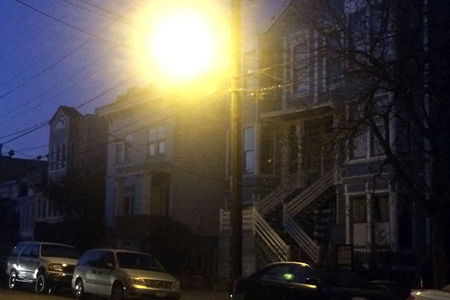 On Bartlett street in the early morning the street lamps like to pretend that they are as bright as the sun. Photo by Eugeniya Kirovskaya