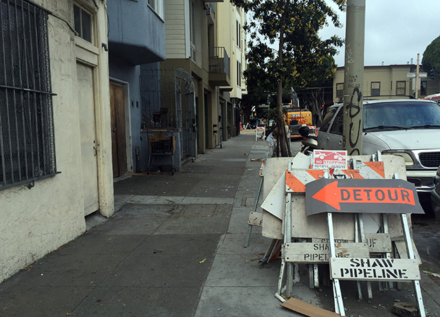 Detour to no where on 24th Street. Photo by Lydia Chávez