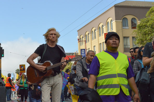 The protest drew hundreds of participants down Mission Street. Photo by Ben Paviour.