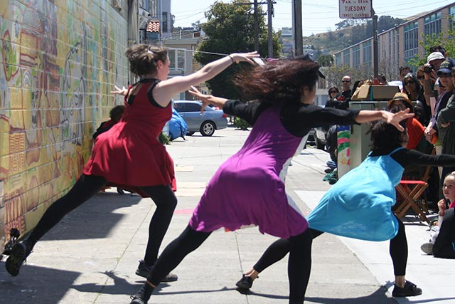 "Epiphany Productions Sonic Dance perform with ""Untitled"" by Jonathan Matas. Photo by Jeanita Lyman"
