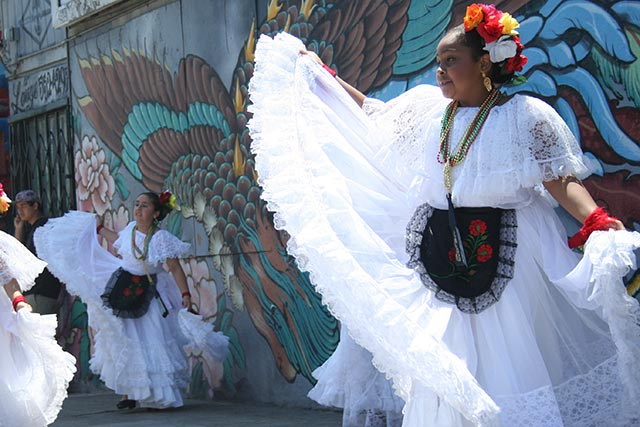 Baile En La Calle Offers Art, Dance and Solidarity