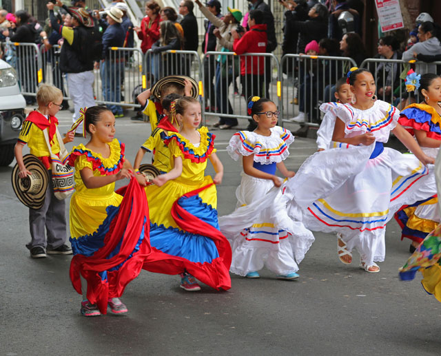 Cool Weather Fails To Dampen SF's Carnaval Spirit