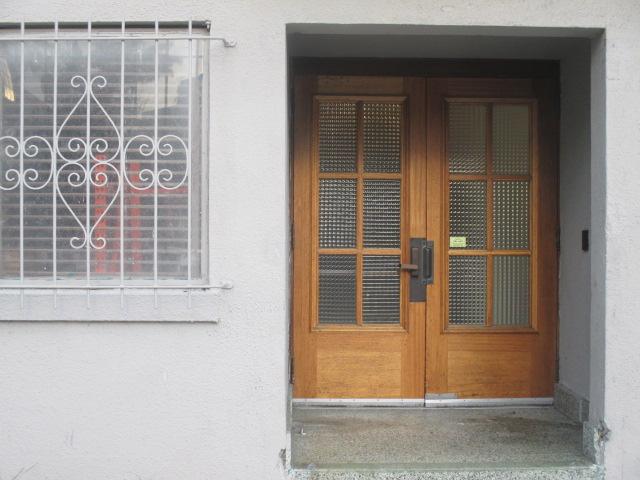 Side Entrance Photo by Kathleen Narruhn