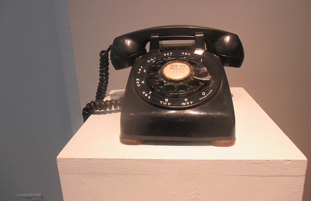 Llamada por cobrar (Call Collect), - Victor and Carlos Cartegena