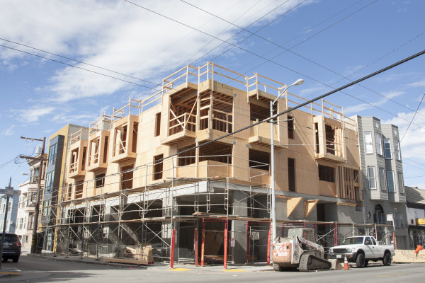 The new five-story condominium being built at 18th St. and San Carlos St. Tuesday August 4, 2015. Photo by Martin Bustamante