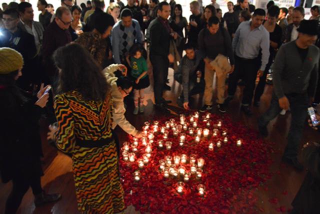 Clínica Esperanza Makes Art for World AIDS Day