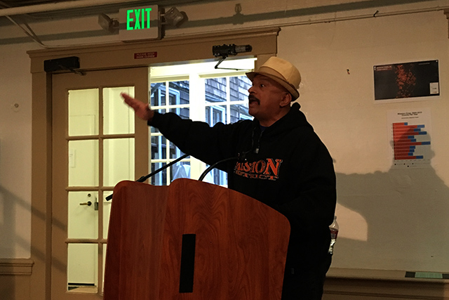 Neighborhood activist Roberto Hernandez addresses the Fire Commission. Photo by Laura Wenus