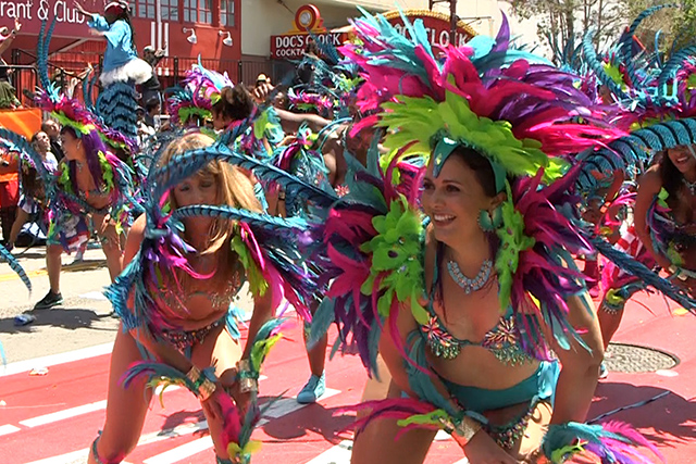Video: Carnaval 2016 Parade Hits Mission St.