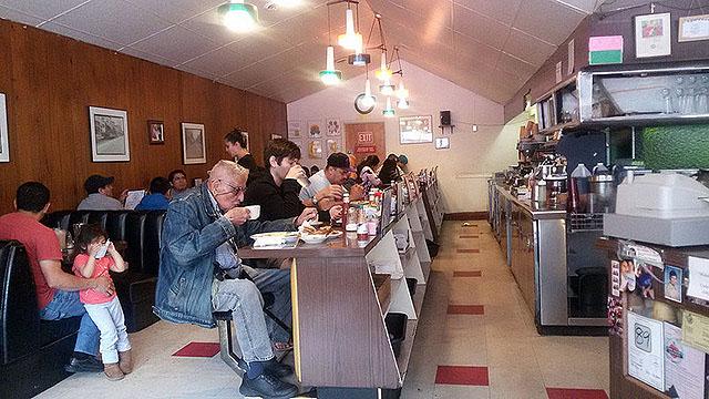 Jim's Restaurant: Throwback Diner Time