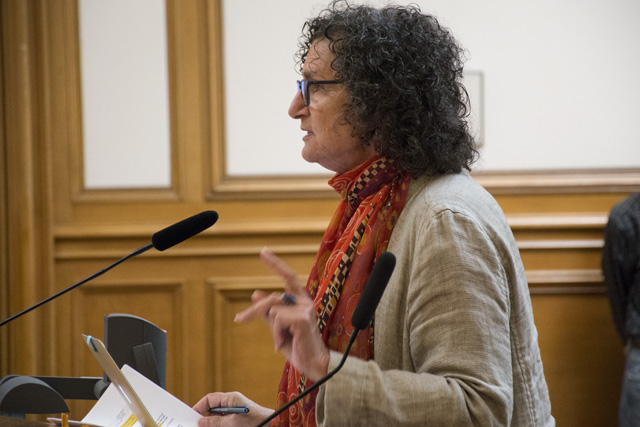 Elizabeth Zitrin speaks at the SFMTA Board of Directors meeting. Photo by Lola M. Chavez
