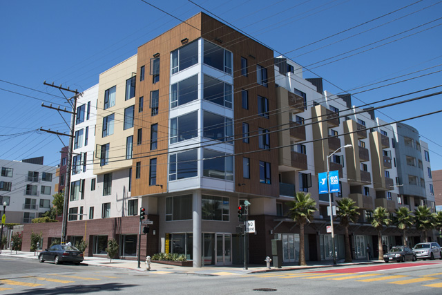The Vara Apartments, 202 units — 40 of which are below-market-rate —on the corner of 15th and Mission Streets. Photo by Lola M. Chavez